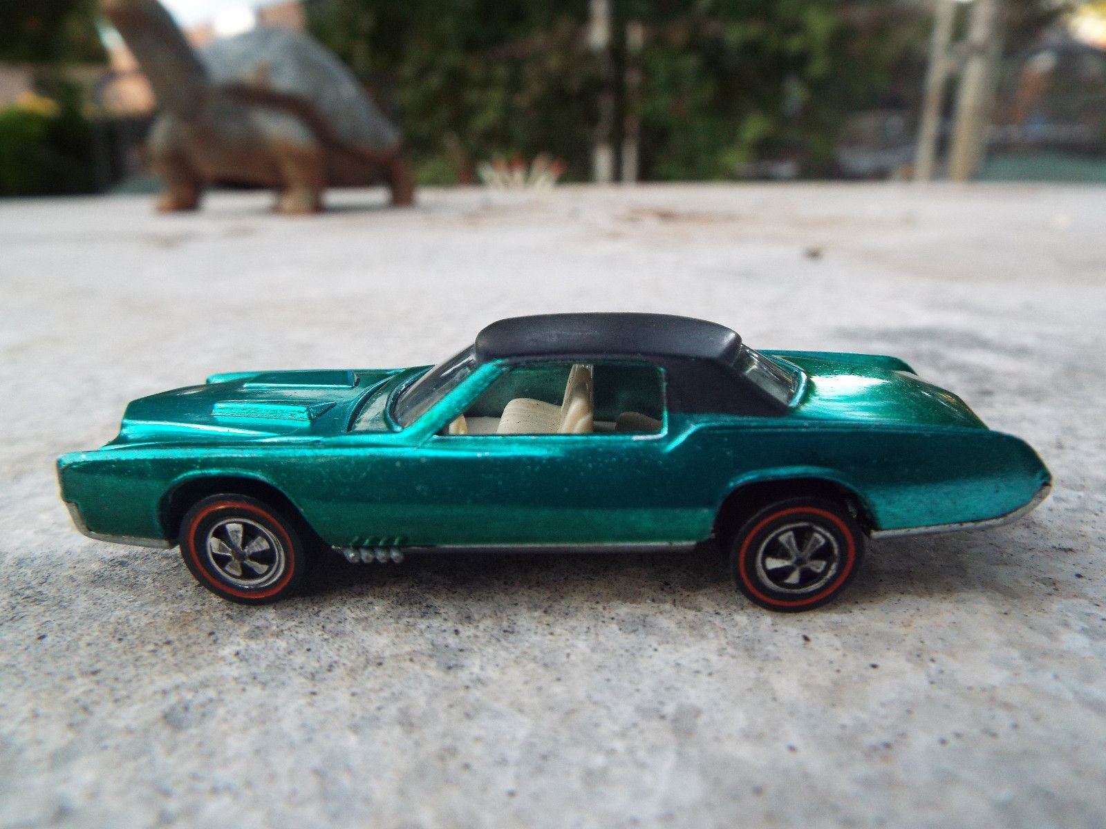 Redline Hotwheels Green 1968 Custom Eldorado Vintage hot