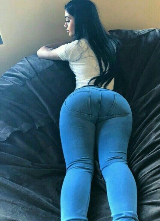 Nice big ass milf in white jeans