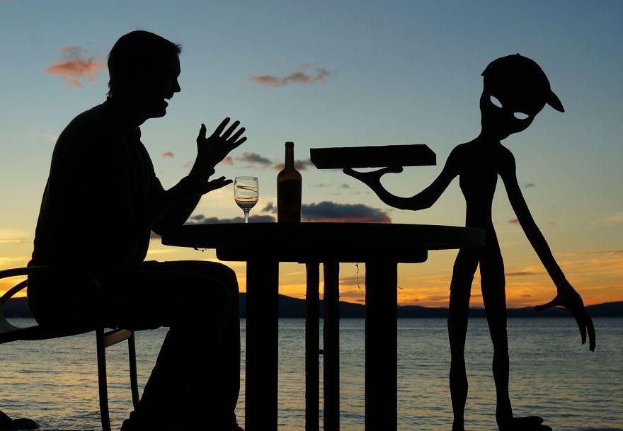 Des silhouettes en carton au coucher du soleil par John Marshall  2Tout2Rien