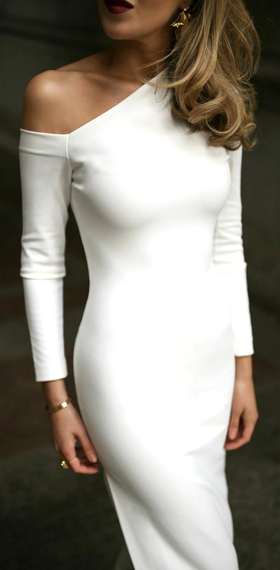 30 Dresses In 30 Days Brides Rehearsal Dinner White Long Sleeve Cold Shoulder Crepe Maxi Dres In 2020 Rehersal Dinner Dresses Rehearsal Dinner Outfits Dinner Outfits