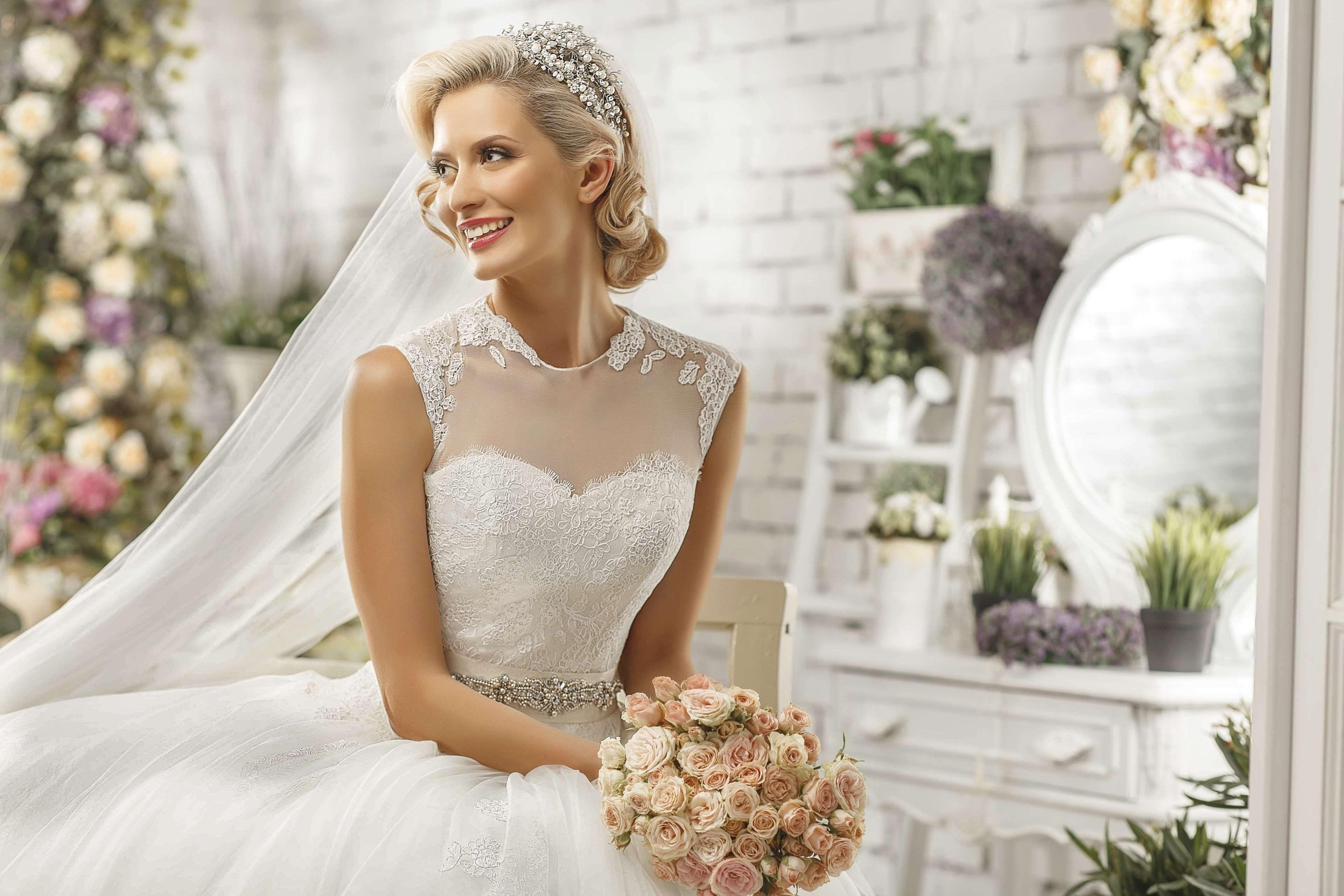 beautiful blur bouquet bridal bride ceremony close up ...