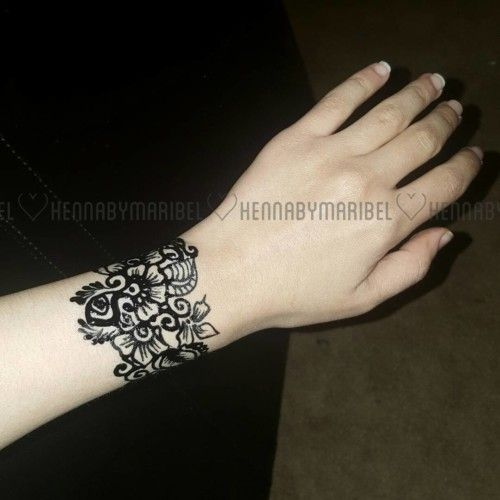 Mehndi Bracelet Easy : Flowery bracelet mehndi design and bangle