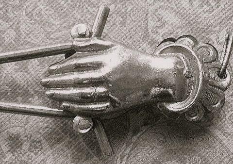 Victorian Silver color skirt holder