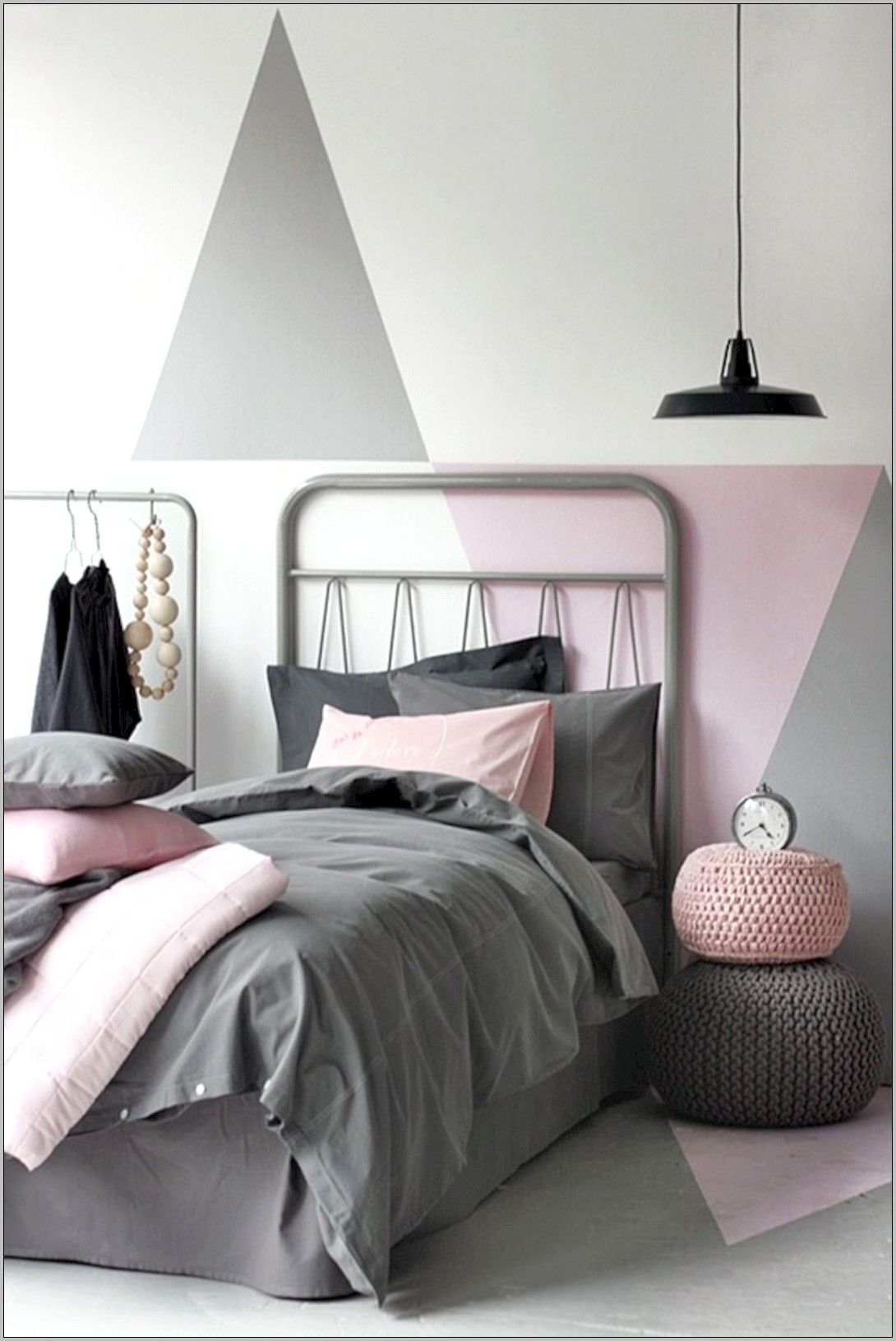 Chambre Simple D Ado Fille Deco Noir Blanc Et Rose En 2020 Deco