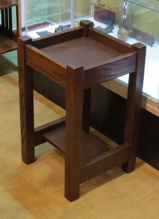 "L&JG Stickley Onondaga Chestnut Plant Stand 22""h x 13.25""sq"