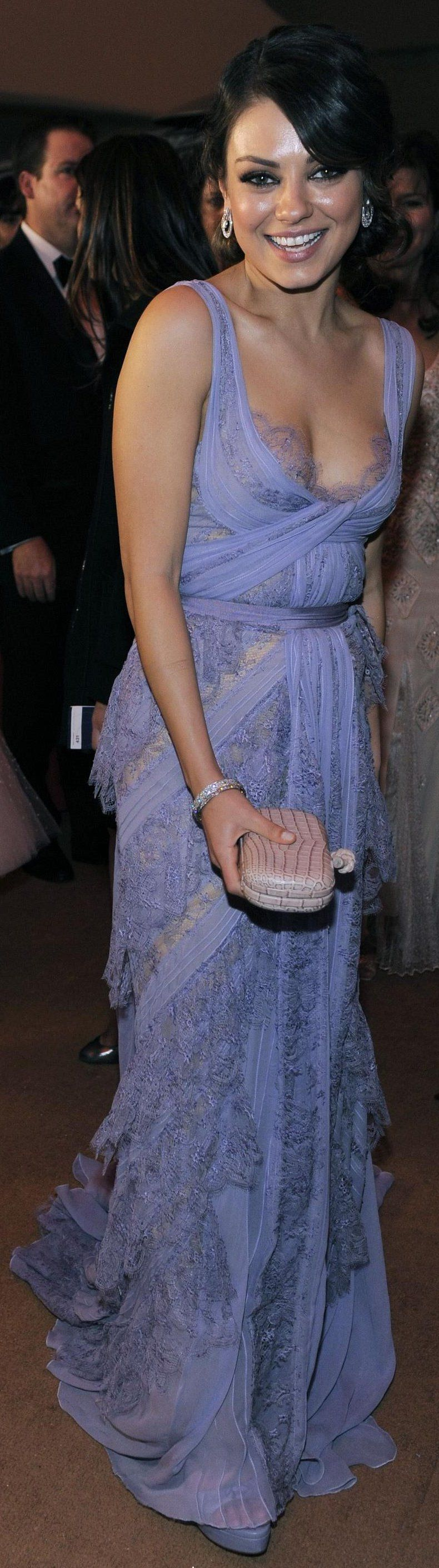 Mila kunis wedding dress  Ium gonna try to sew up this dress for Karenus wedding in Aug but in