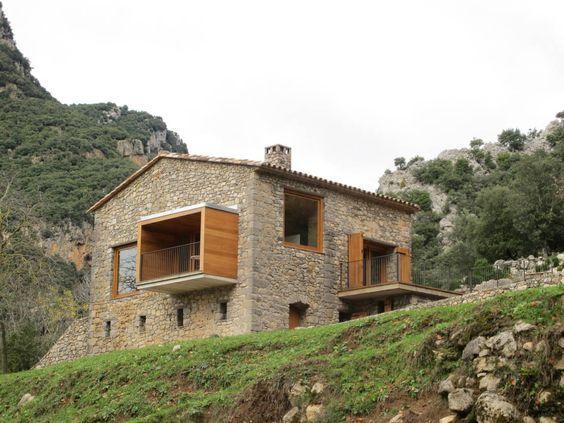 Una spettacolare casa moderna tra le montagne recupero for Architettura casa moderna