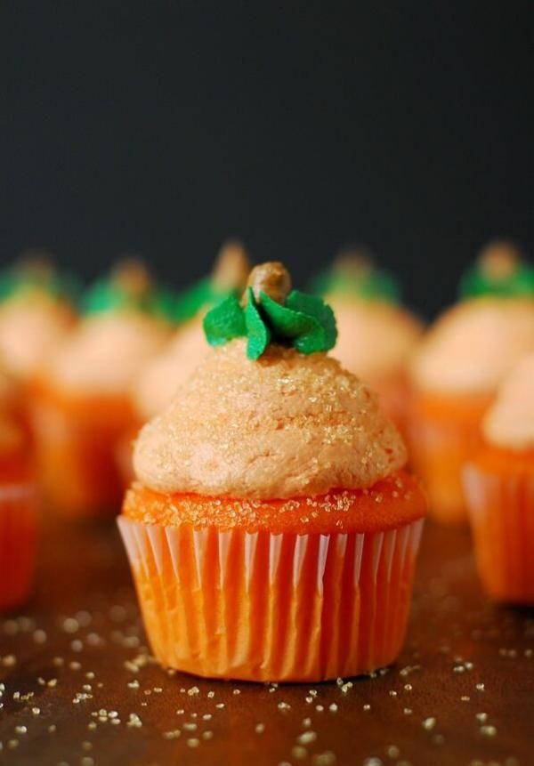 كب كيك البرتقال من عبدالله خضر Orange Cupcake By Abdullah Khodor Pumpkin Cupcakes Buttercream Frosting For Cupcakes Pumpkin Cupcake Recipes