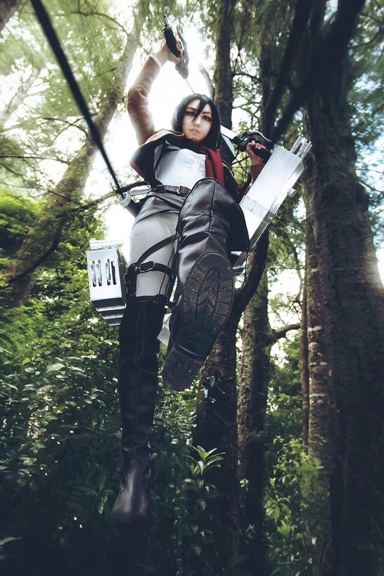 Attack On Titan mikasa cosplay