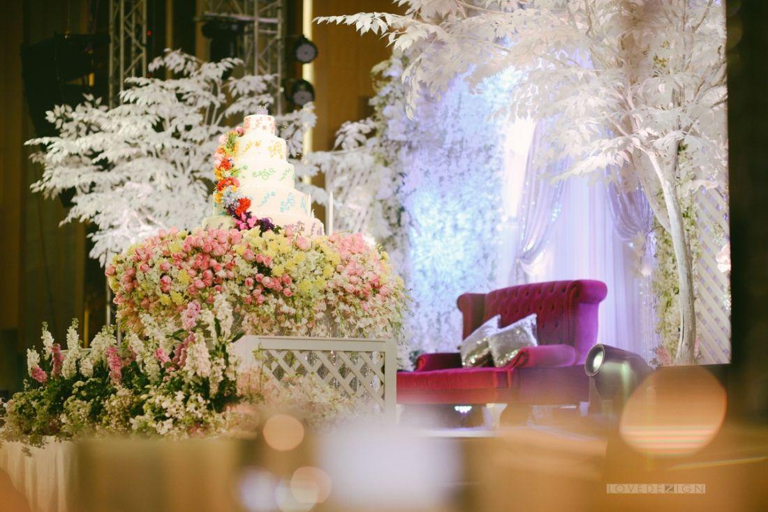 Indian wedding decoration at anantara bangkok thailand indian indian wedding decoration at anantara bangkok thailand junglespirit Images