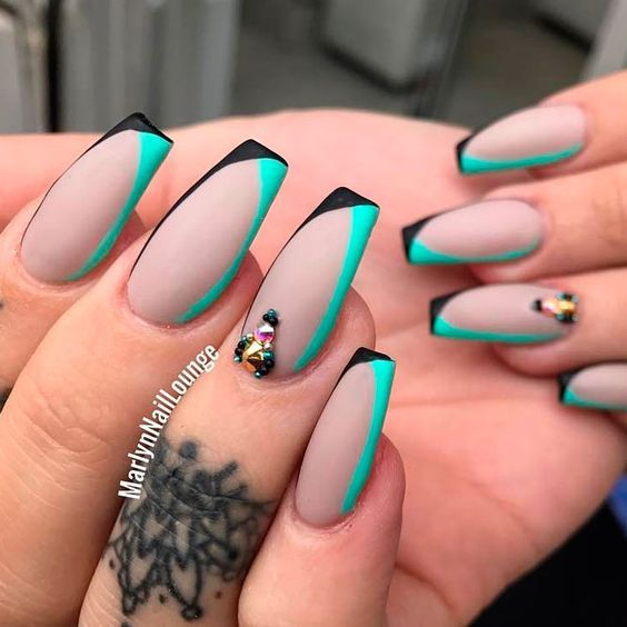 33 best long nail designs for glamorous girls long nail designs 33 best long nail designs for glamorous girls prinsesfo Gallery