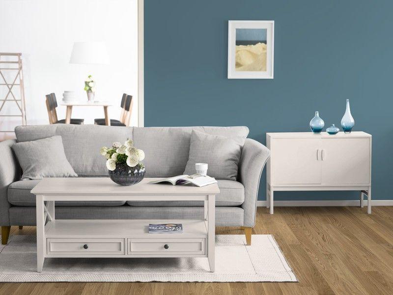 Blau Als Wandfarbe Im Kolorat Zimmer Kombiniert Mit Creme Weiß. Www