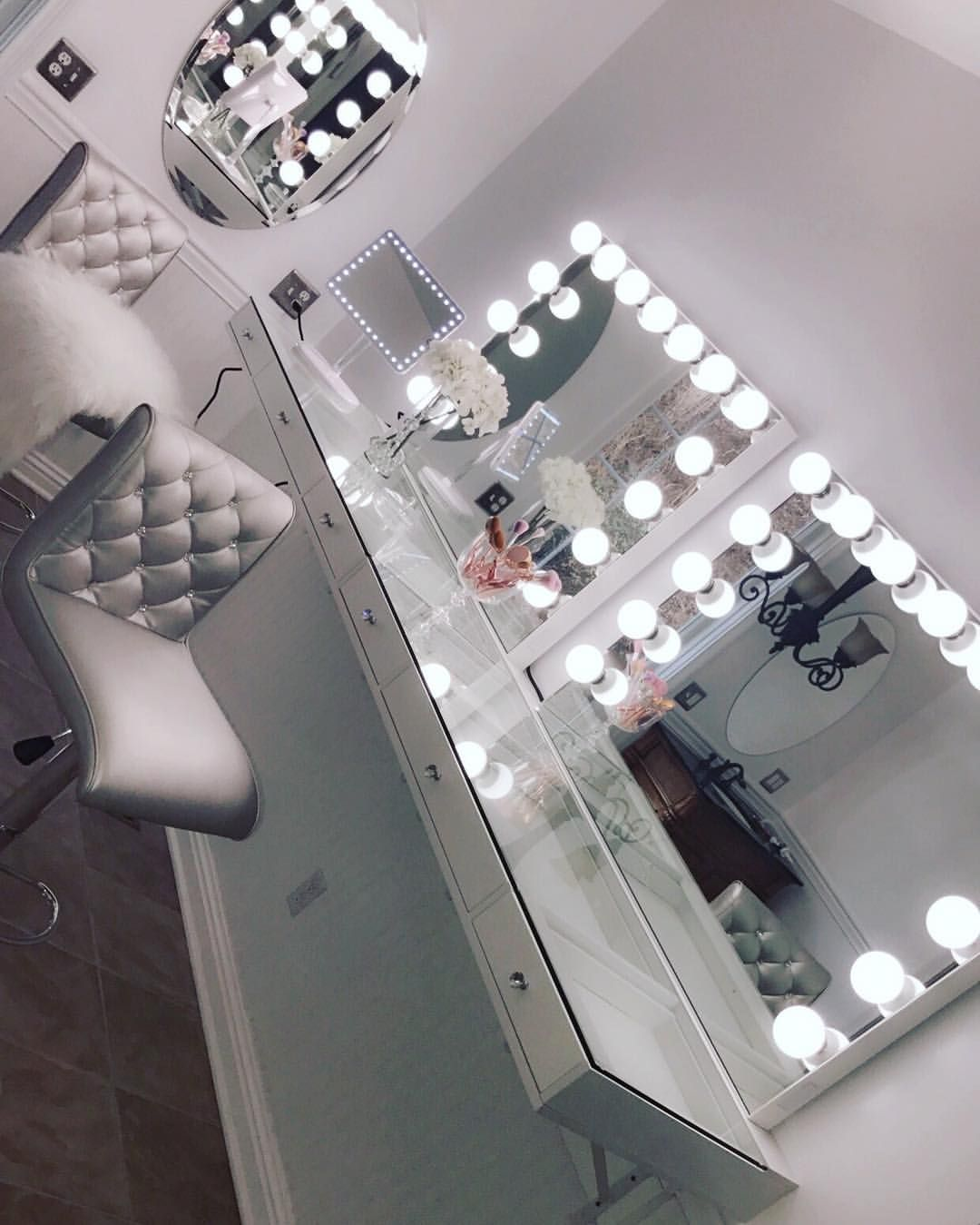 """Impressions Vanity Co. on Instagram: """"Have you ever seen something so magnificent ✨ ⠀ 📷: @peytonnn_bae featuring our #SlayStation and #impressionsvanityglowpro"""""""