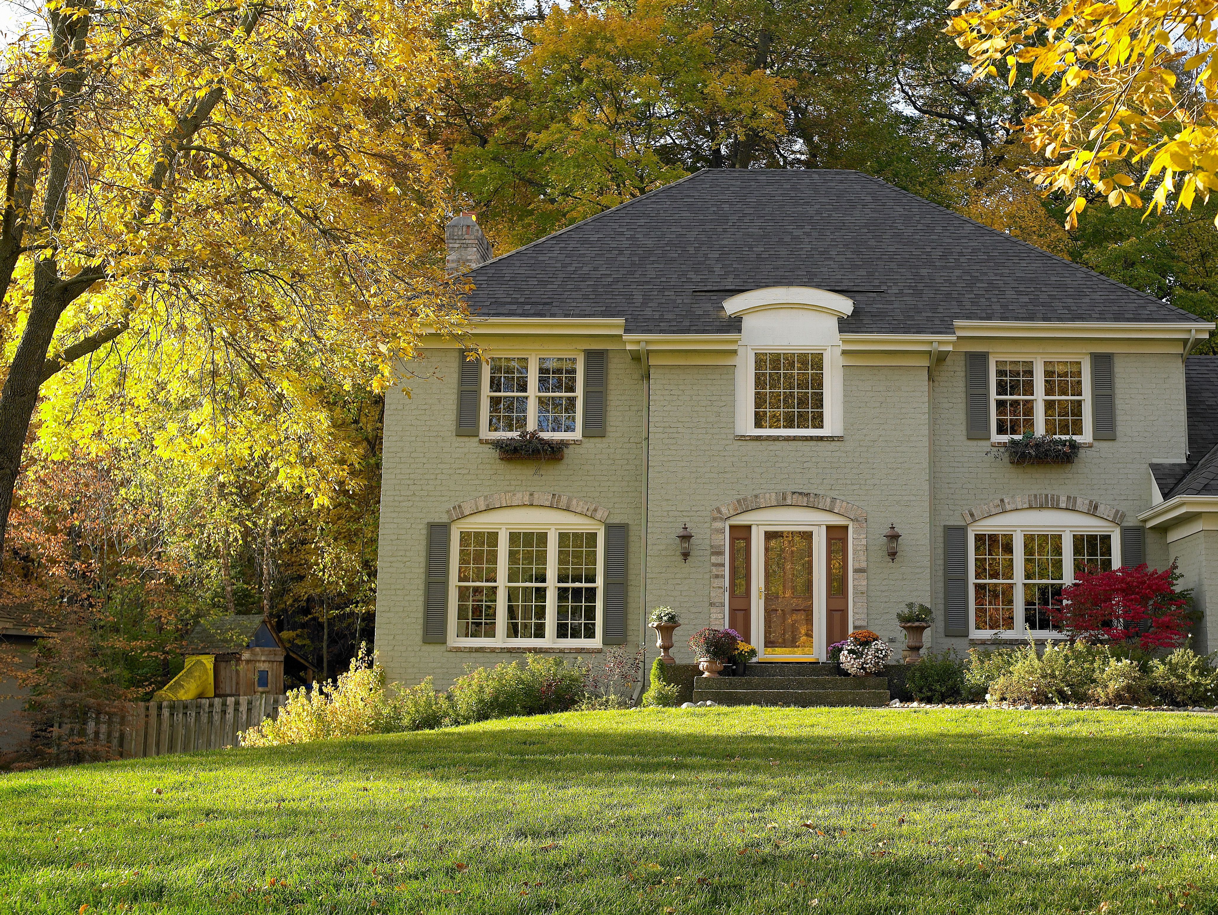 Looking to change up the style of your home try choosing for Choosing new windows