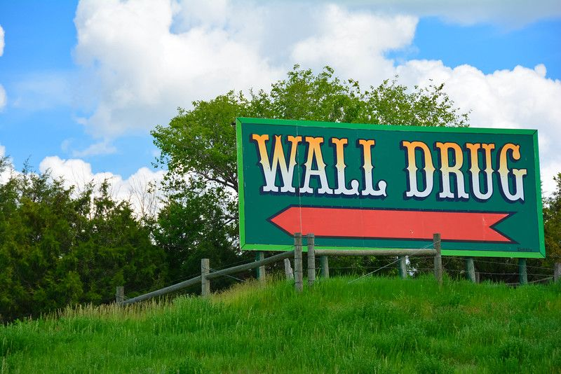 why wall drug store is a tourist trap you won t want to on wall drug id=34640