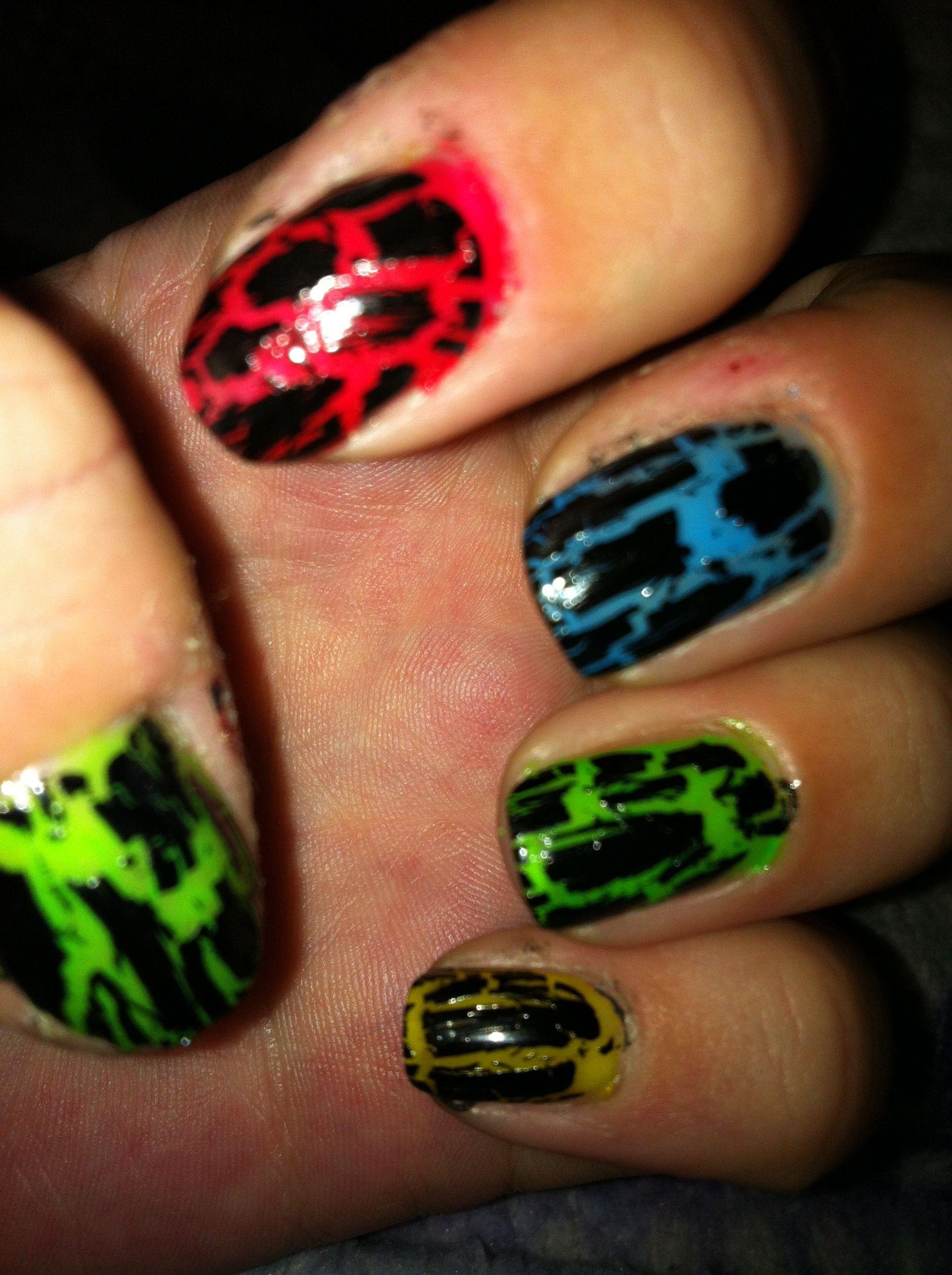 Neon u black crackle nails nails pinterest crackle nails
