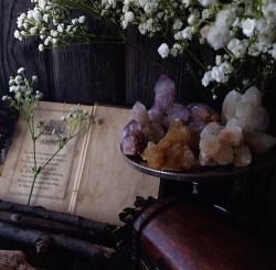 pretty hippie lsd boho acid psychedelic nature bohemian weheartit Witch hippy crystals spells witchcraft gypsy spell Paganism wiccan pagan wicca runes altars spell book gypseatea