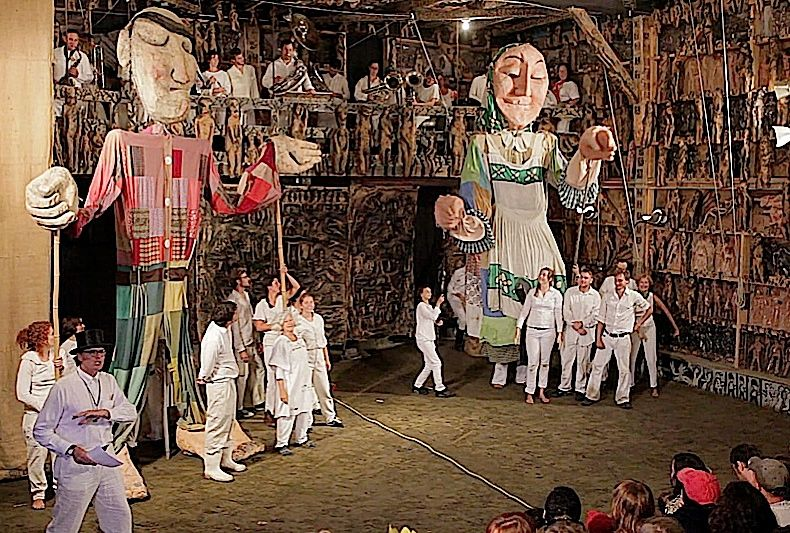 Bread and Puppet Theater: a skit on Canadian border security