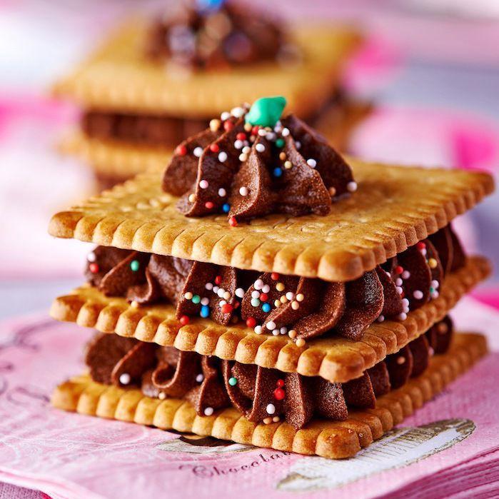 Mille-feuilles de petits-beurre au chocolat | Recette ...