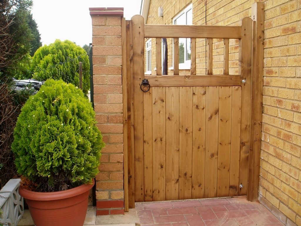 easy garden gate plans you can build to accent your landscape