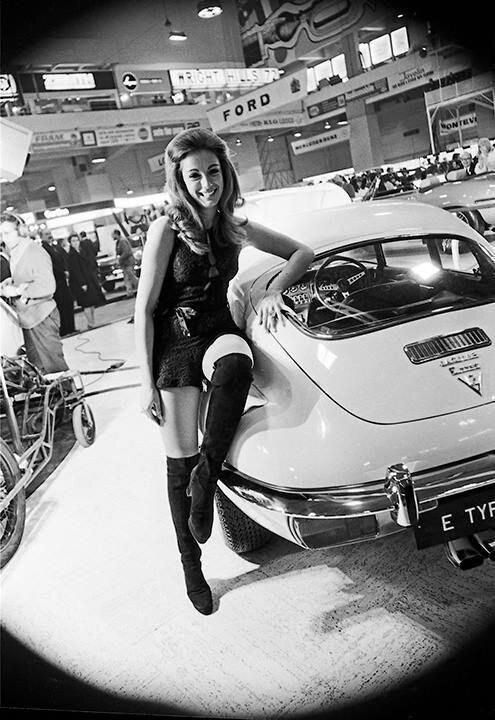 Tunnel Ram — Jaguar E-Type