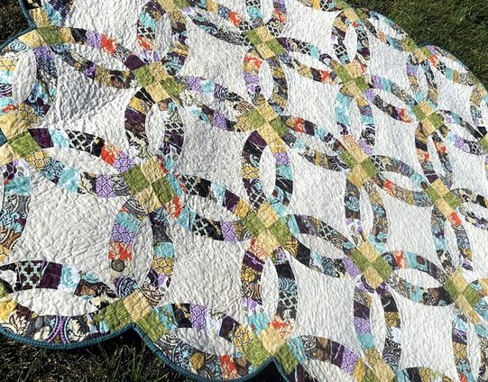 Wedding Ring Quilt Wedding Ring Quilt Traditional Wedding Rings Quilts