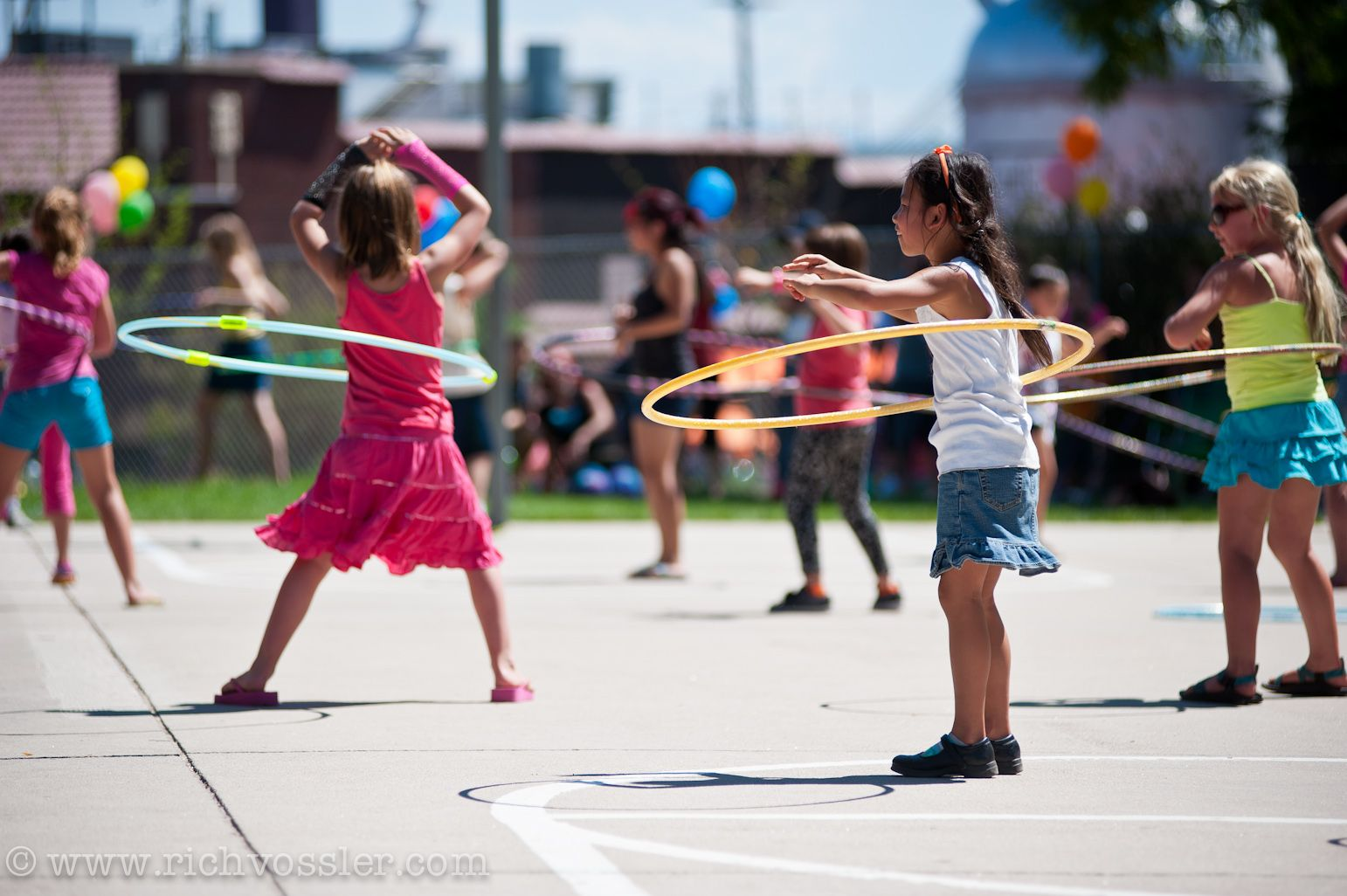 Hula Hoop Contest – your classic hula hoop contest, hula for