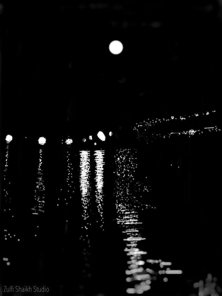Mid night Sharjah Cornich.  #digitalmodernart #zulfishaikhstudio #iphonedigitalpainting