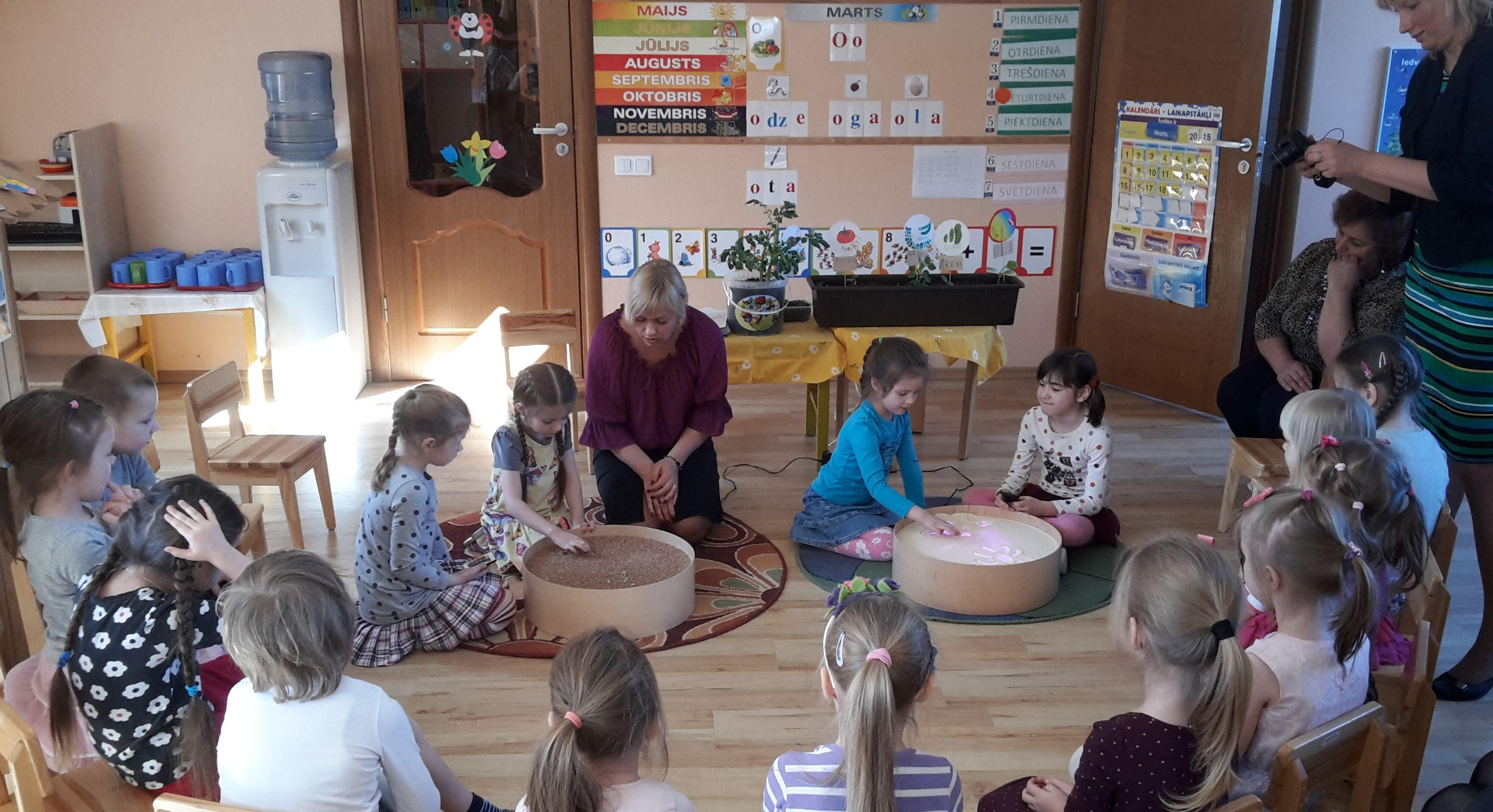 """Seminar at the preschool MINKA in city Inčukalns, Latvia """"Many ways of using Magic Light Tables at preschools""""   Jonely"""