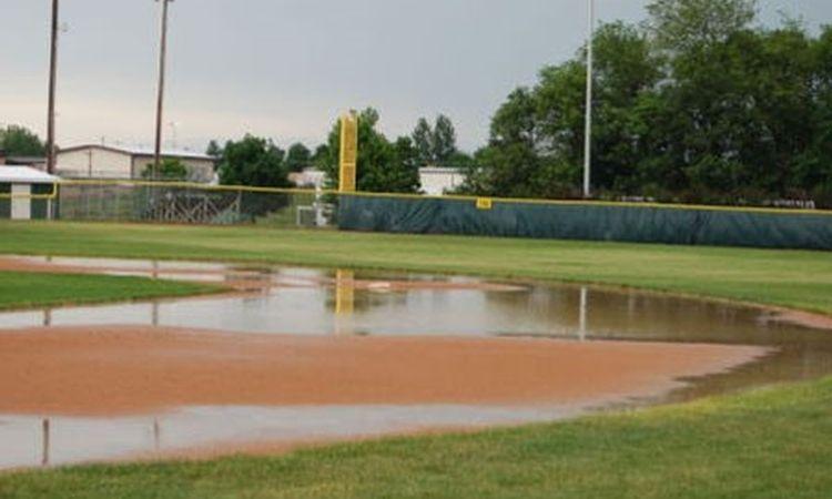 Maintaining Youth Baseball And Softball Fields Youth Baseball Baseball Baseball Softball