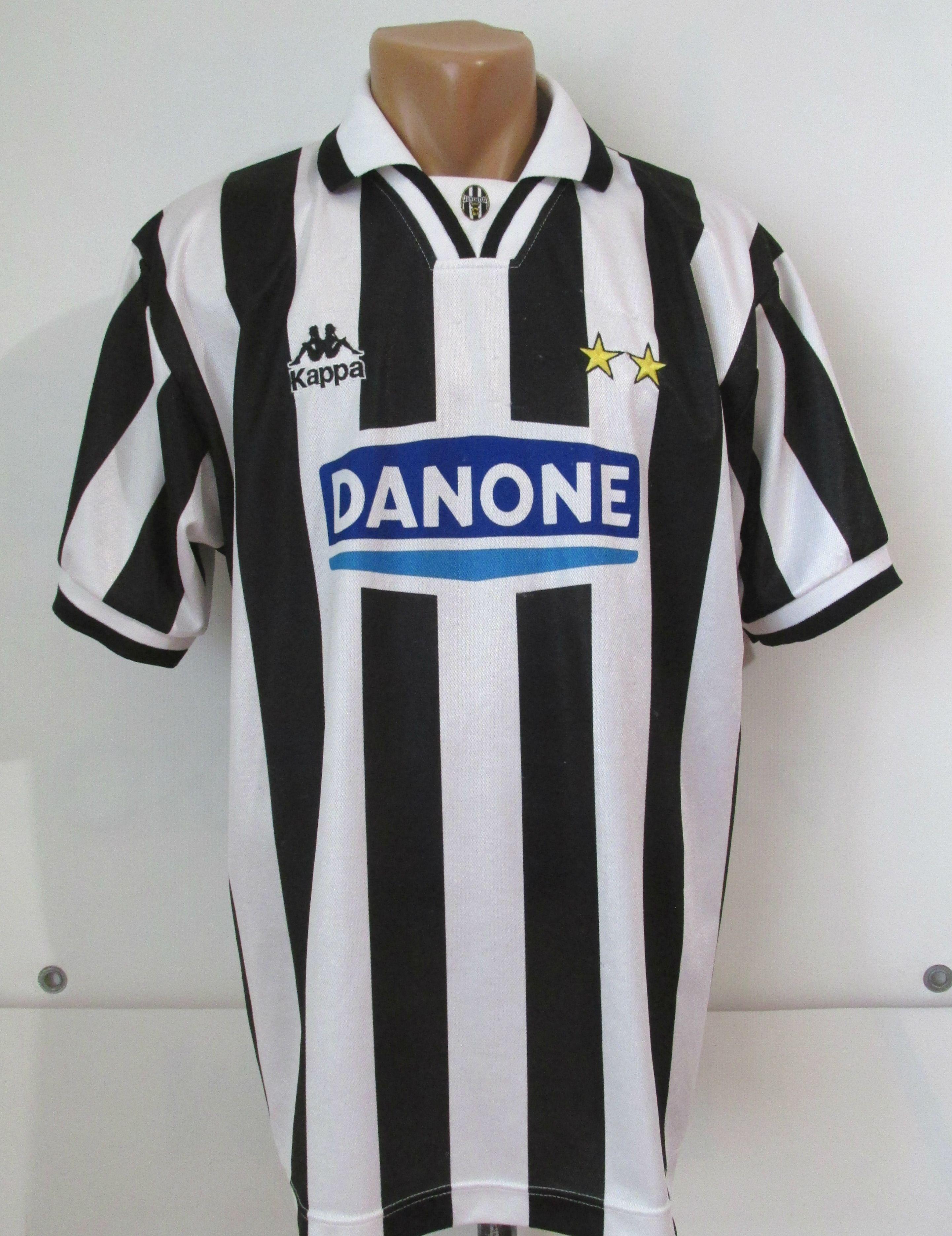 d83505b5f Juventus 1994 1995 home football shirt by Kappa Juve calcio Danjne vintage  90s retro Italy Maglia jersey soccer  Juventus  Juve  Kappa  italia  italy  ...