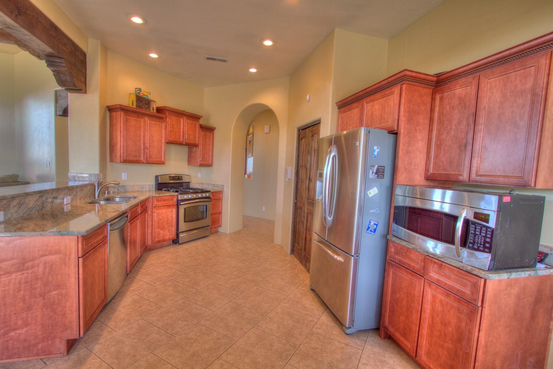 Modern Kitchen At 6715 Rim Rock In Albuquerque New Mexico Home For Sale Home New Mexico Homes Modern Kitchen