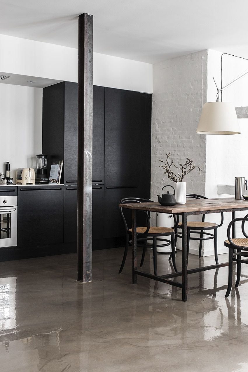 Kuchnia I Jadalnia Czarne Szafki Kuchenne Fotele