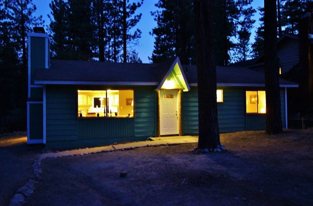 I love this place! Completely redone Big Bear Cabin in CA. Granite ...