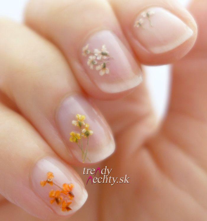 sušené kvietky, Dried Flowers, Nail art, Nail Design … | Pinteres…