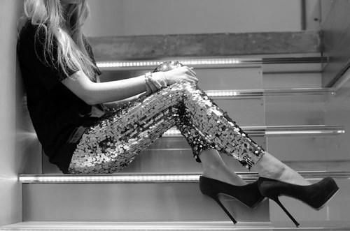 go sequened. I want these pants!!