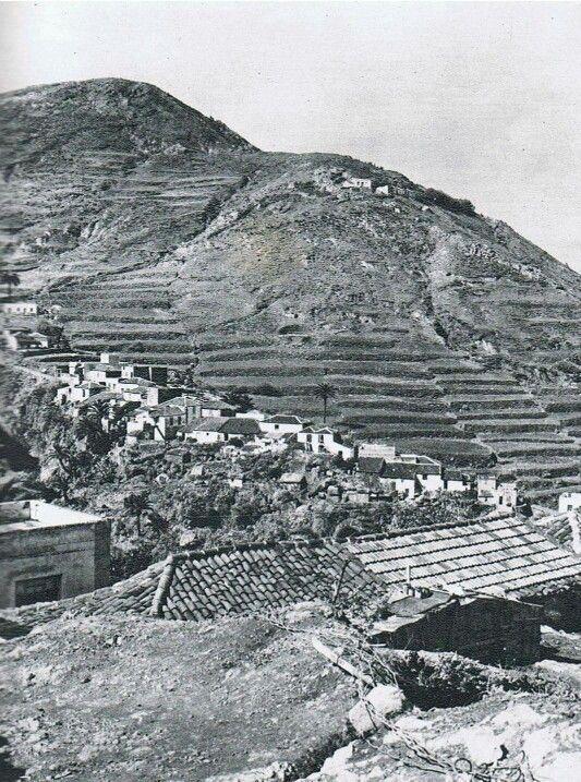 """Taganana, fundada en 1501 con este nombre guanche que significa """"rodeada de montañas"""", era un municipio independiente hasta 1877, fecha en la que pasó a anexionarse de manera definitiva a Santa Cruz de Tenerife. Foto de Alfredo Reyes Darias, alrededor 1968."""