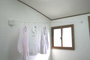 楽天市場 梅雨の洗濯 部屋干し 室内物干しワイヤー コード巻