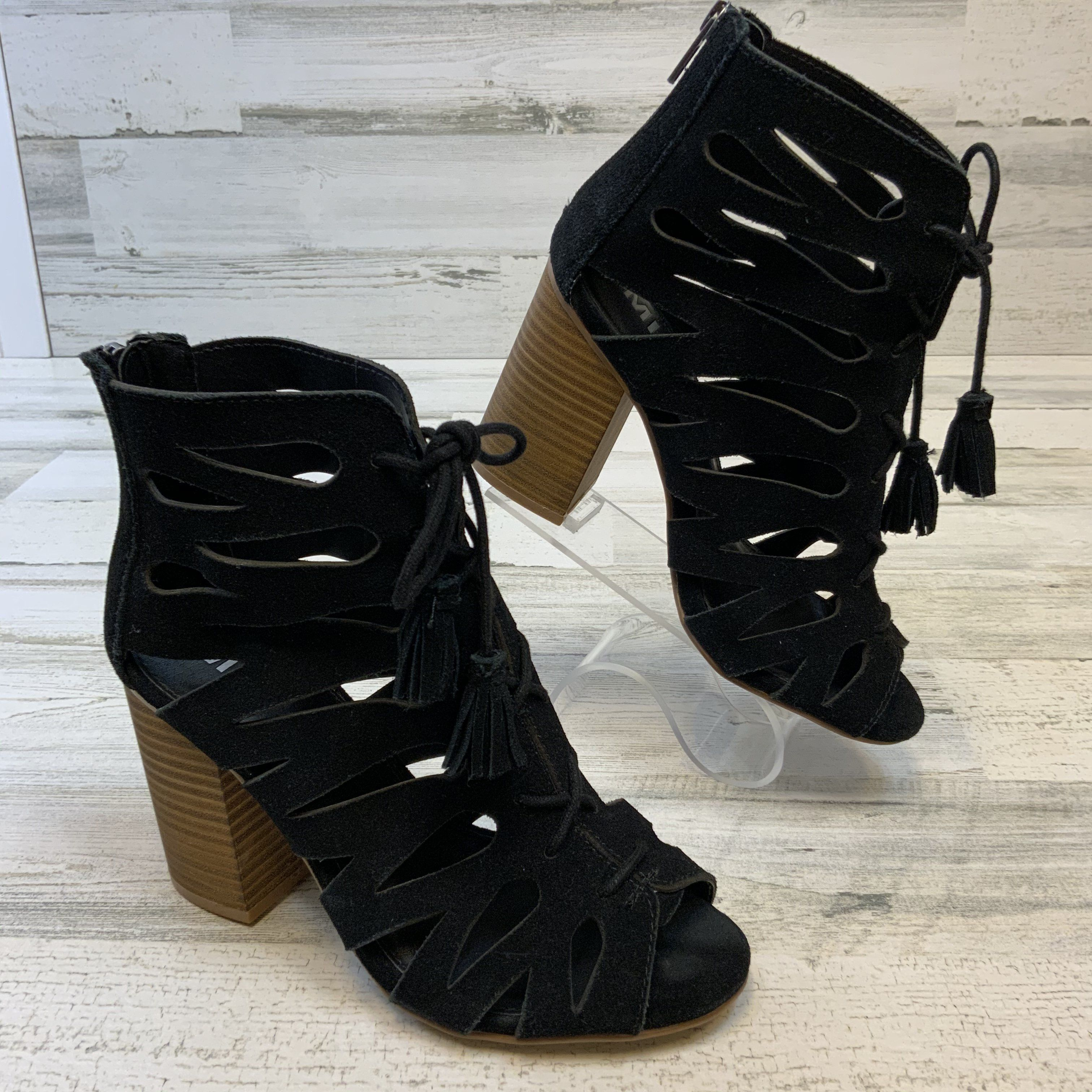 Photo of Shoes Low Heel By Mia  Size: 7.5