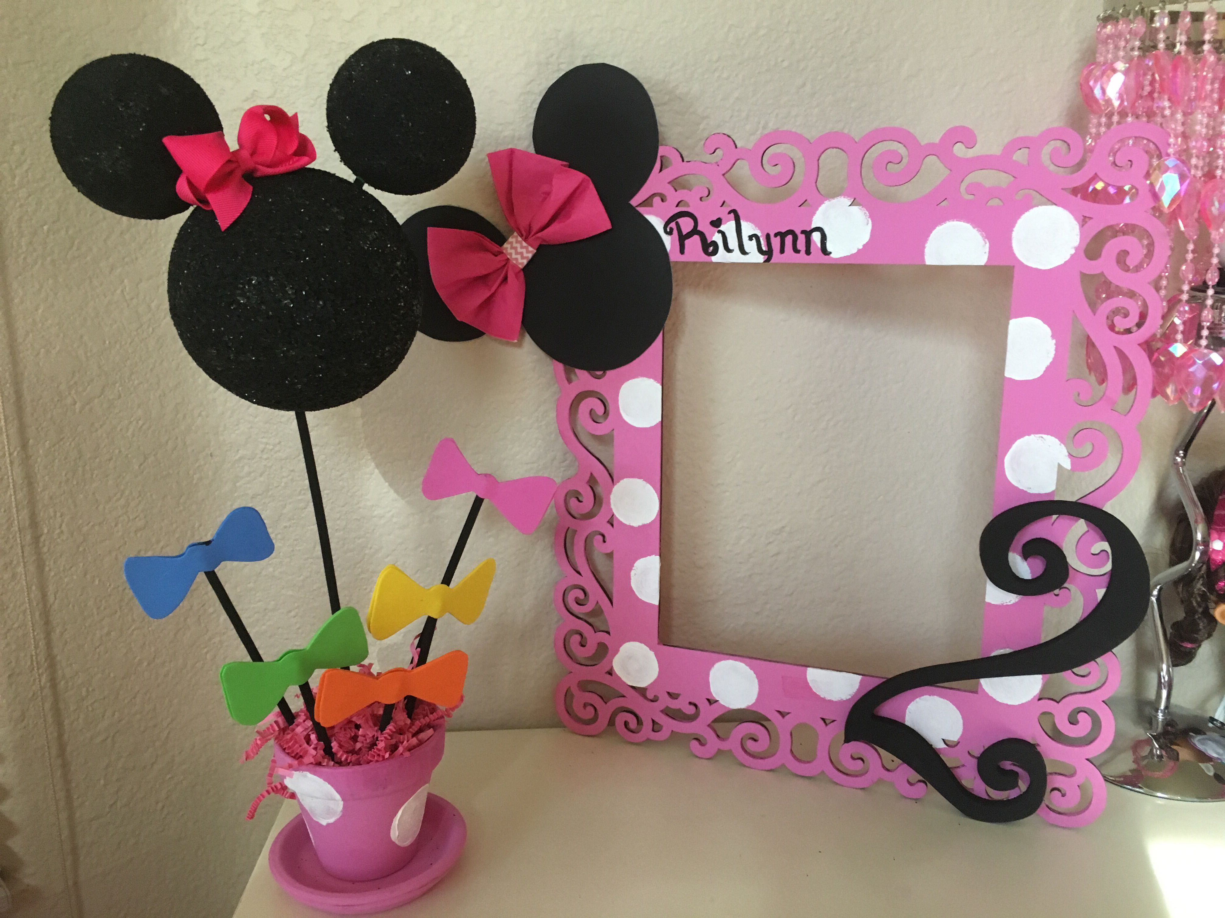 Two year old minnie mouse theme party decorations rilynn for 2nd birthday party decoration