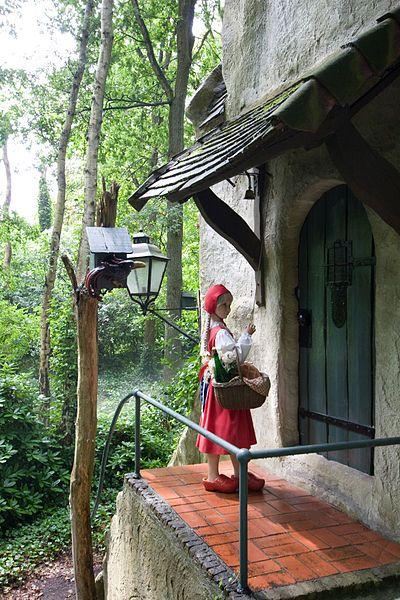 Little Red Riding Hood Efteling Je Kon Vanuit De Trein De Lange Nek