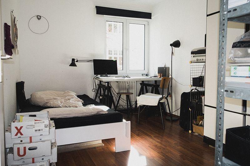 wir haben single typen zu hause besucht und ihre wohnungen fotografiert interior pinterest. Black Bedroom Furniture Sets. Home Design Ideas