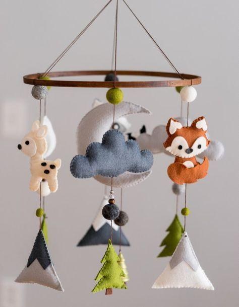 Woodland Mobile / Woodland Animal Nursery / Felt Mobile / Mountain Nursery / Felt Moon / Nursery Decor / Scandinavian Decor / Felt Cloud #feltedwoolanimals