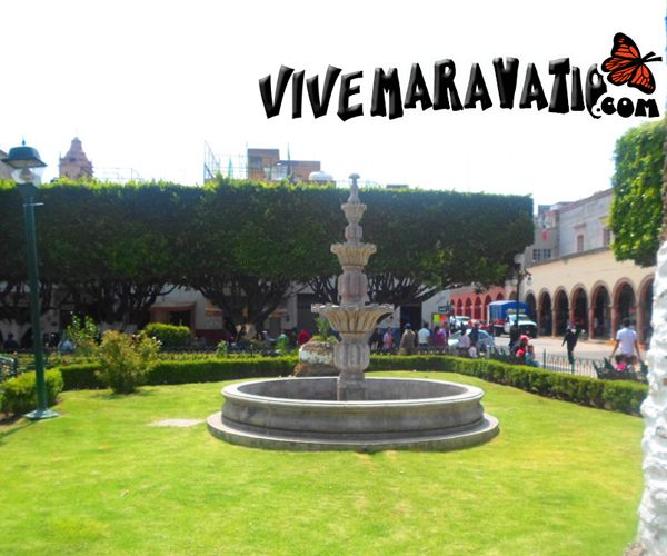 Pequeña fuente ubicada en el Jardín central de Maravatio