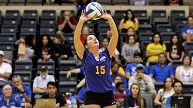 Stmu Volleyball Splits Pair Of Matches On Opening Day Volleyball Volleyball Photos Athlete