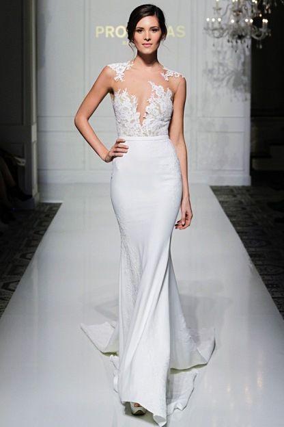 Best Pronovias VICENTA PreOwned Wedding Dress on Sale Off
