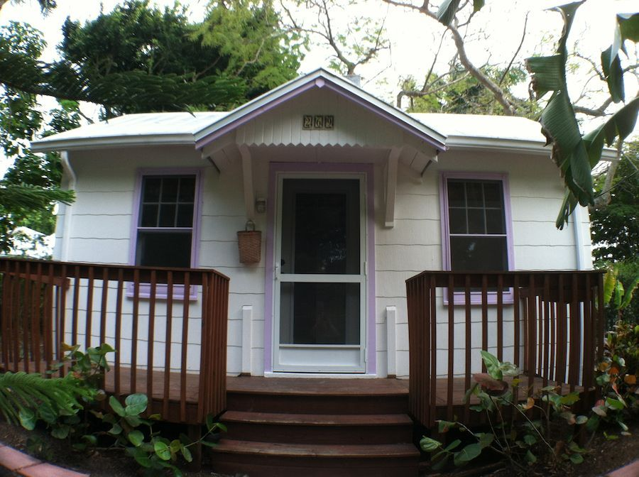 Tiny houses tiny house in naples florida photos by for Small homes in florida