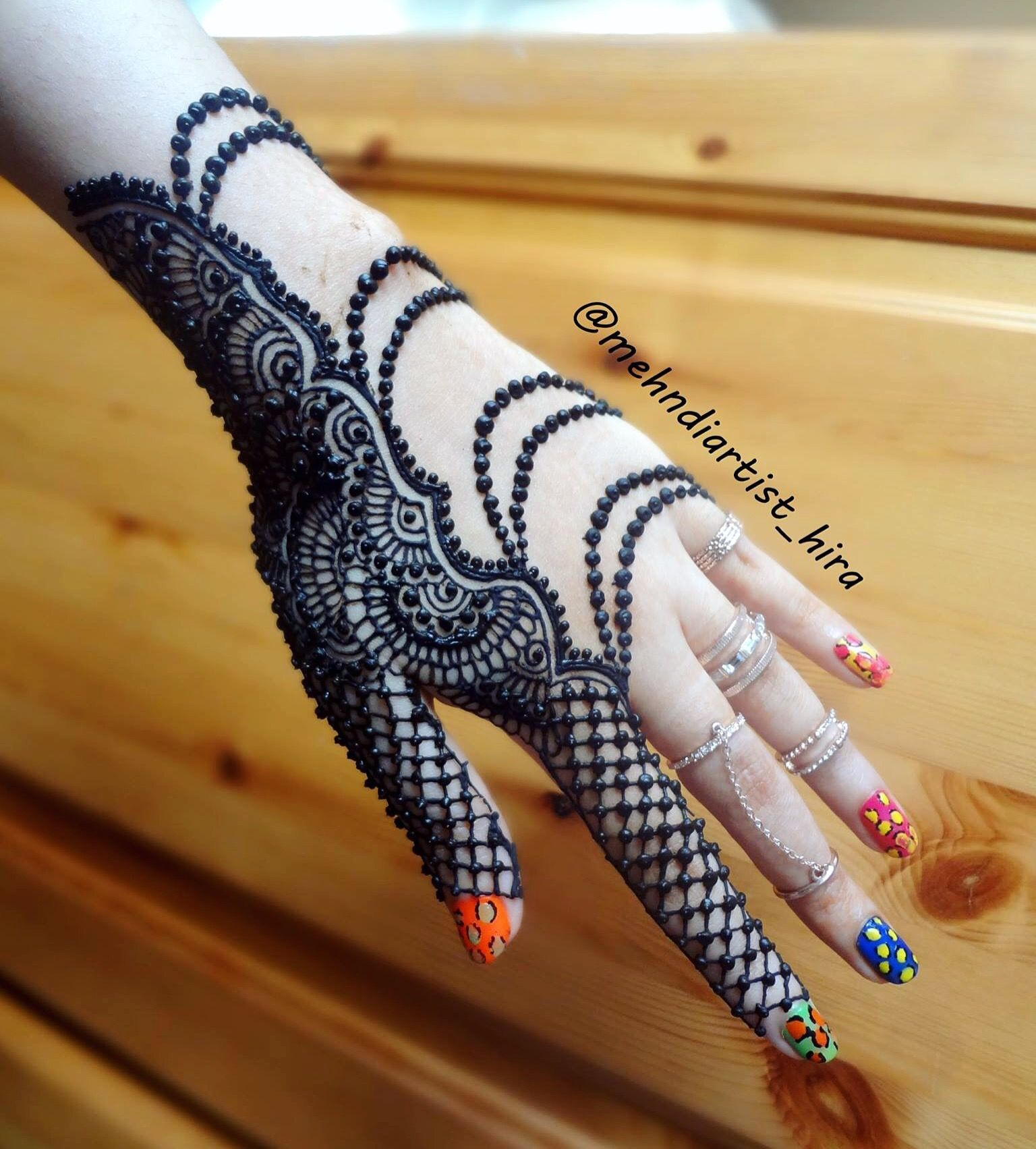 13 Unique Henna Designs Doing The Rounds This Wessing: Unique Henna Design