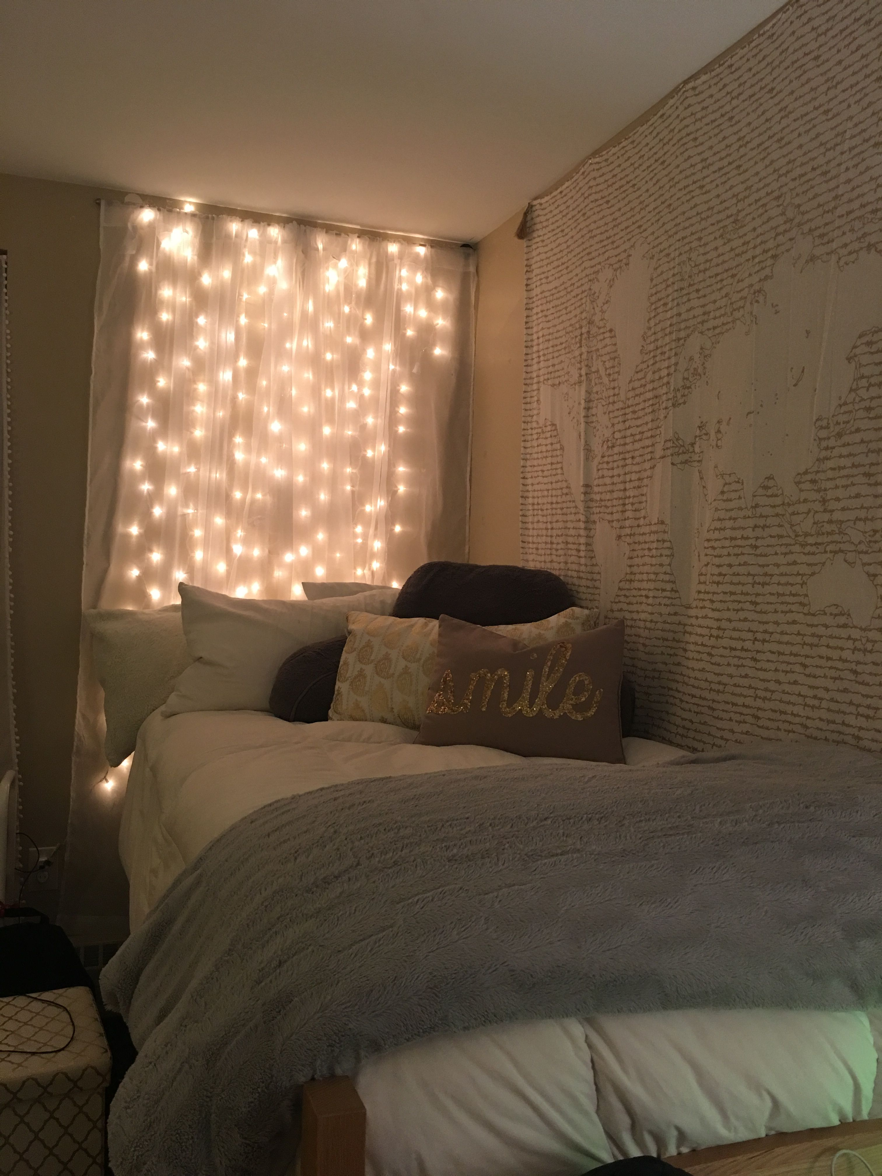 Student Dorm Room: Cozy College Dorm #cozy #college #dormroom