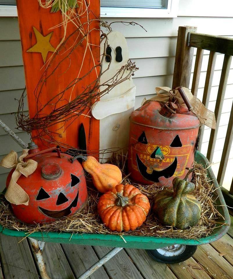 Cute arrangement Scary halloween decorations, Halloween